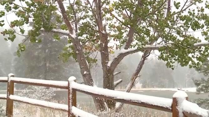 Zima w lecie. Spadło 30 centymetrów śniegu