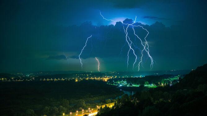 Końca dynamicznej pogody nie widać