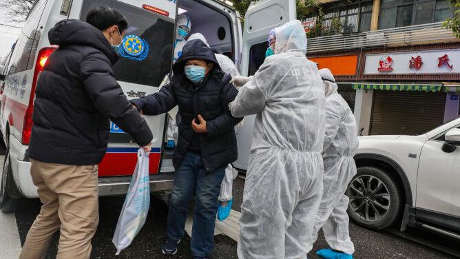 Rośnie liczba ofiar koronawirusa z Chin. <br />Nie żyje 81 osób, ponad 2700 zakażonych