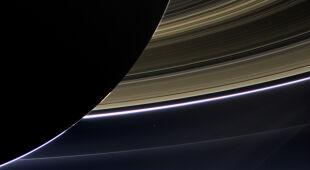 Ziemia widziana z okolic Saturna (NASA/JPL-Caltech/Space Science Institute)